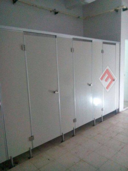 Phenolic Cubicle Toilet Surabaya