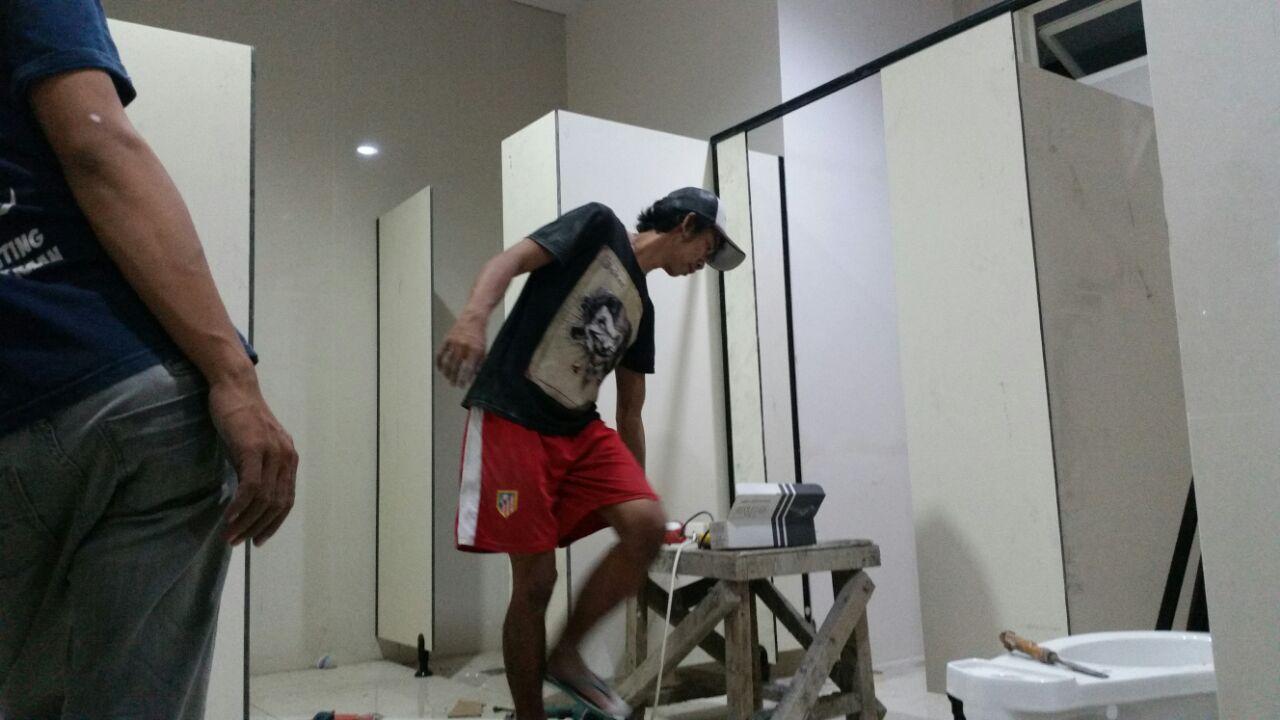 ToiletcubicleuntukSMAMuhammadiyah10-2