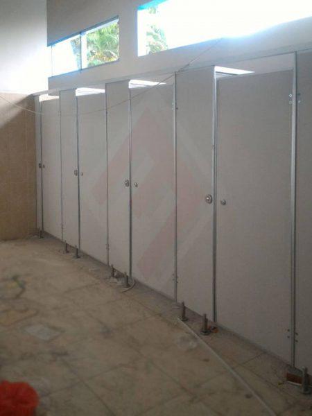 Cubicle Toilet Phenolic Resin di Akademi Angkatan Udara