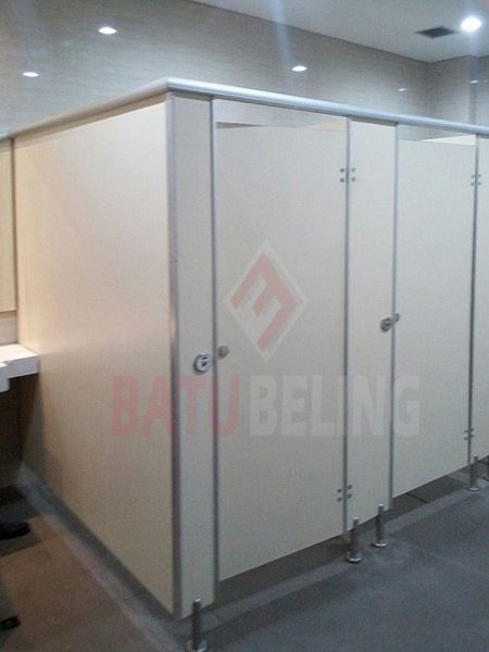 Cubicle Toilet di Pegadaian Karang Asem Surabaya