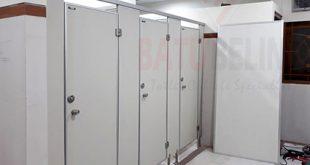 Aplikasi Cubicle Toilet di UNAIR Surabaya