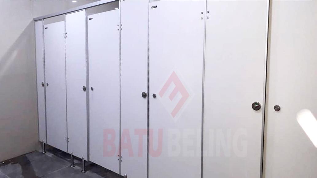 Partisi Toilet Phenolicresin - Jenis Partisi Toilet Terbaik